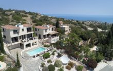 Stylish 4 bedroom Villa Agnades in Neo Chorio