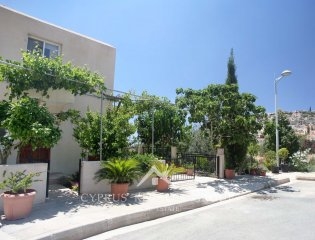 Alineri 3 Bedroom End Townhouse in Peyia Property Image