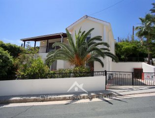 4 Bedroom Villa Araucaria in Peyia Property Image
