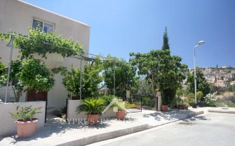 Alineri 3 Bedroom End Townhouse in Peyia