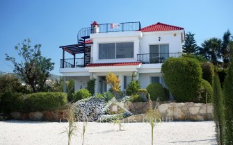 Carob Tree 4 Bedroom Villa in Peyia