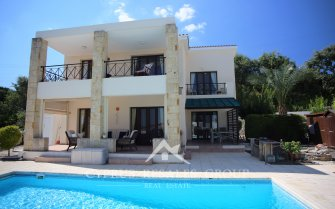 3 Bedroom Dionysos Country Estate in Stroumbi