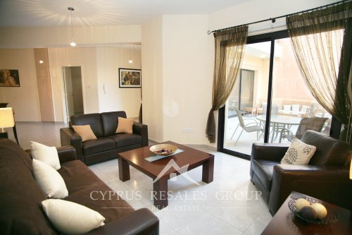 Luxury ground floor apartment in Queens Gardens, coast of Paphos, Cyprus