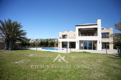 Stunning villa Prestige on the coast of Sea Caves, Paphos area, Cyprus