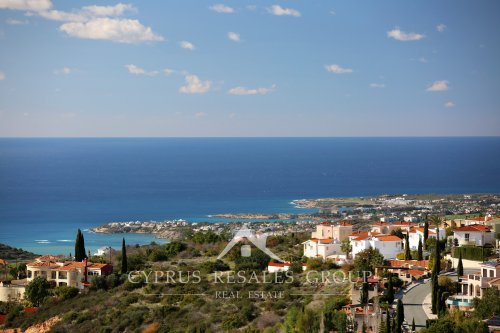 Leptos Kamares Village enjoys panoramic views over Paphos and the Mediterranian Sea.